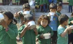 """La ONG canaria Educanepal lanza la campaña """"por un cacharro de gofio y agua"""" para ofrecer desayunos a los niños que tiene escolarizados en Nepal"""