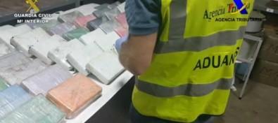 La Guardia Civil y la Agencia Tributaria impiden la introducción de 52 kilogramos de cocaína en España