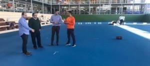 Continúan los trabajos de sustitución de la superficie de la pista polideportiva del complejo deportivo de Santiago del Teide