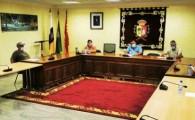 Ayuntamiento de Antigua y empresarios piden responsabilidad y unidad de acción ante los contagios COVID19