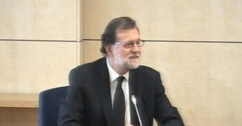 """Rajoy: """"Es absolutamente falso el cobro de sobresueldos y la existencia de una 'caja B' en el PP"""""""