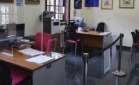 El Ayuntamiento de Sanatiago del Teide ha instalado mamparas de protección en diferentes dependencias municipales