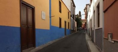 La calle Santiago en Gáldar se cierra al tráfico para el inicio de las obras de repavimentación