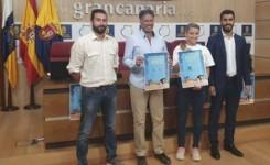 Gran Canaria llama a batir el récord mundial de nacionalidades colaborando conjuntamente en una limpieza de playas