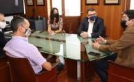 El Cabildo de Tenerife, Faconauto Canarias y AUVE abordan el desarrollo de la implantación de puntos de recarga eléctrica